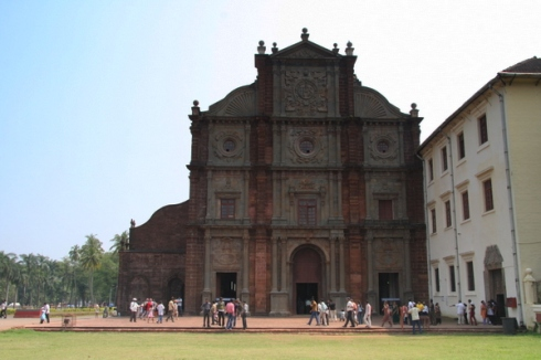 "Basilica of Bom Jesus, final resting place of legendary Jesuit missionary Francis Xavier, who worked in Goa and achieved sainthood after his death.  Picture credit to ""eagersnap.blogspot.com"""