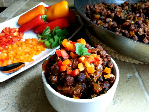 spicy-black-chana-garbanzo-beans-indian-recipe-xacuti-spice