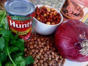 spicy-black-chana-garbanzo-beans-indian-recipe-xacuti