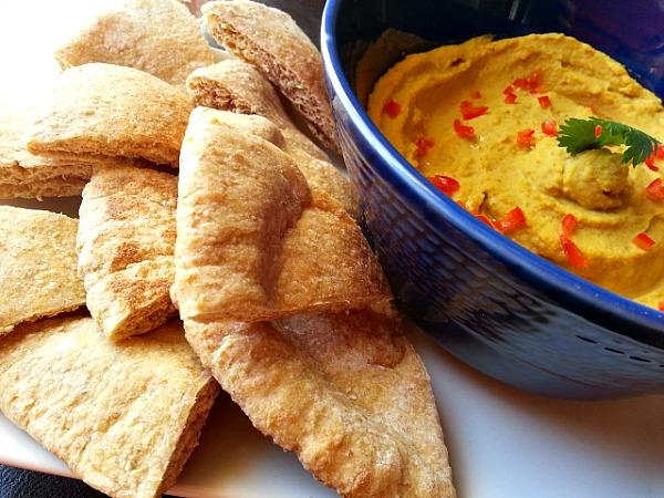 curry-paste-hummus-dip-yogurt-recipe-spicy-appertizer-healthy-vegetarian
