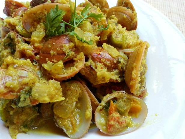 clam-xec-xec-grated-coconut-recipe-tisreo-how-to-cook-goan-indian
