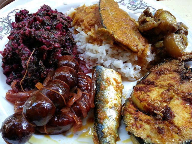 Tisreo xec xec clams in curried grated coconut goanimports goan food rice fish curry fried sausages pork forumfinder Gallery