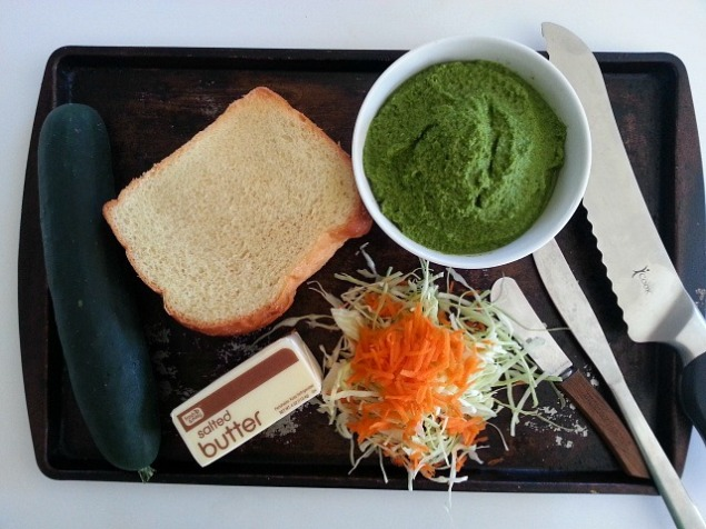 coriander-green-goan-chutney-recipe-bhel-puri-samosa-club-sandwich-vegetarian