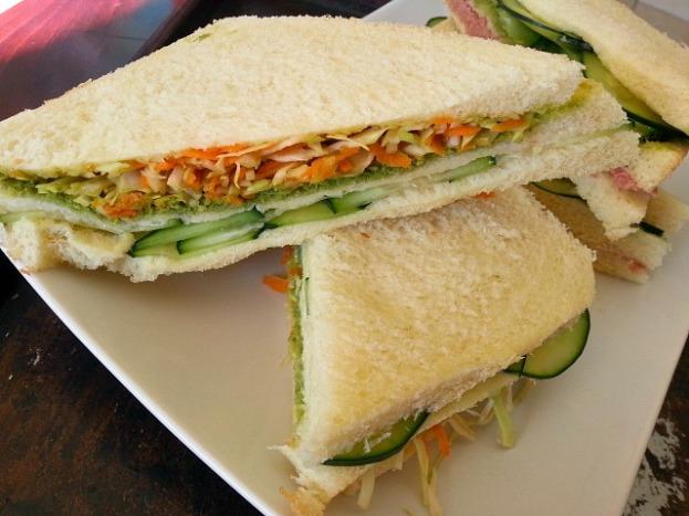 coriander-green-goan-chutney-recipe-bhel-puri-samosa-vegetarian-club-sandwich
