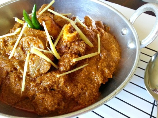goat-meat-xacuti-curry-goan-indian-recipe-grated-coconut