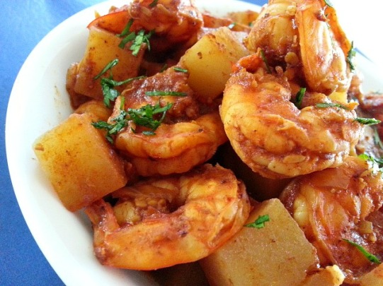 prawn-and-potatoes-goan-red-spicy-curry-recipe