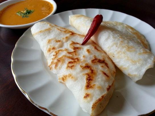 rice-pancakes-gluten-free-appam-coconut-milk-kerela-recipe-meat-curry