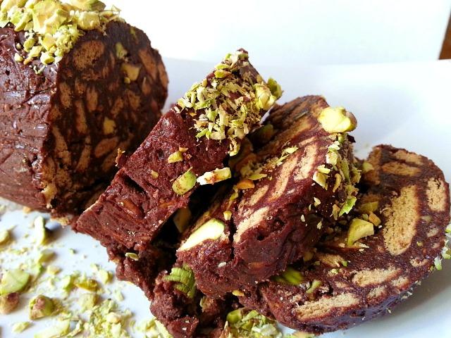 Salame de chocolate goanimports chocolate salami de goan christmas sweets recipe italian forumfinder Image collections