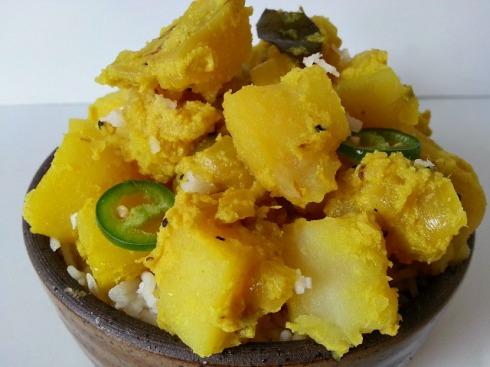 batata-bhaji-aloo-potato-subzi-recipe-indian-curry-sukhi-suka