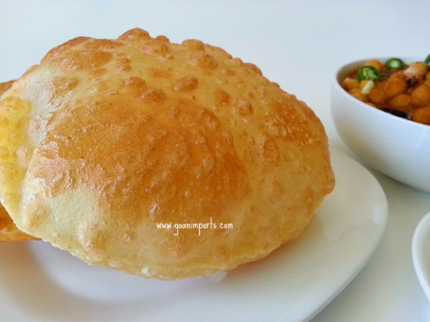punjabi-chole-chana-bhature-bhatura-masala-deep-fried-indian-bread