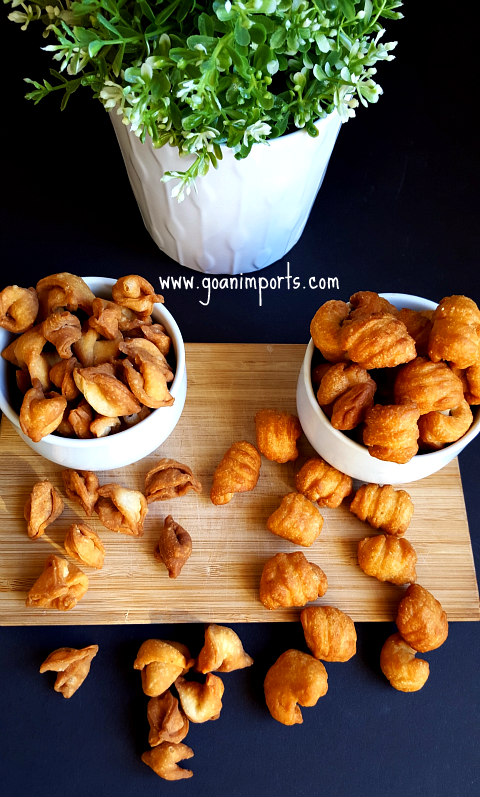 kulkuls-carambolas-korbolas-christmas-sweets-with-coconut-milk-traditional-how-to-make
