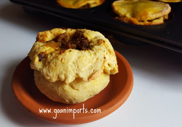 pork-empadinhas-baked-recipe-vegetarian-empanadas-with-mushrooms